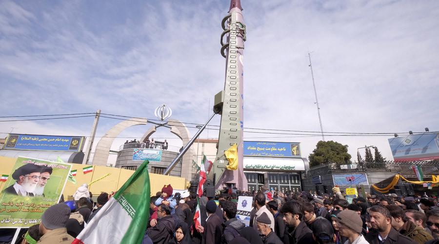 Bất chấp lệnh cấm vận, Iran thử hàng loạt tên lửa đạn đạo - 1
