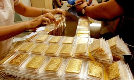 Sau 1 đêm, vàng mất gần 200.000 đồng/lượng - 1