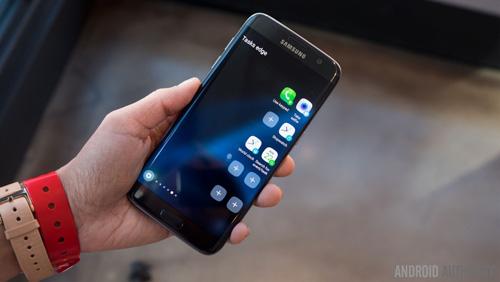 Cận cảnh màn hình cong Edge UX đỉnh cao của Galaxy S7 edge - 2