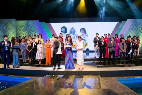 """""""Vẻ đẹp VTV"""": MC Trúc Mai, Phí Thùy Linh dành giải thưởng của IVY moda - 1"""