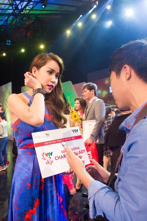 """""""Vẻ đẹp VTV"""": MC Trúc Mai, Phí Thùy Linh dành giải thưởng của IVY moda - 2"""