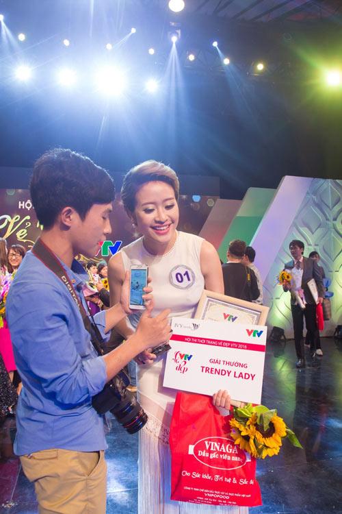 """""""Vẻ đẹp VTV"""": MC Trúc Mai, Phí Thùy Linh dành giải thưởng của IVY moda - 3"""
