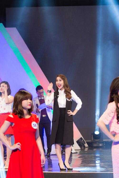 """""""Vẻ đẹp VTV"""": MC Trúc Mai, Phí Thùy Linh dành giải thưởng của IVY moda - 5"""