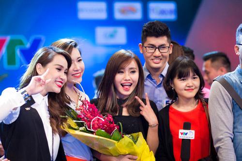 """""""Vẻ đẹp VTV"""": MC Trúc Mai, Phí Thùy Linh dành giải thưởng của IVY moda - 6"""