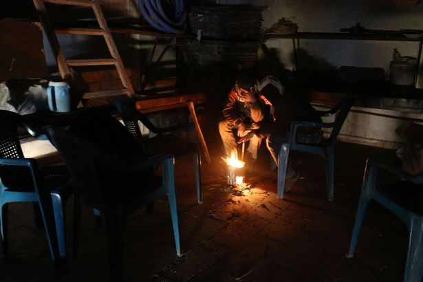 """Đau thương cảnh 25 vạn trẻ em Syria """"chờ ngày chết"""" - 4"""