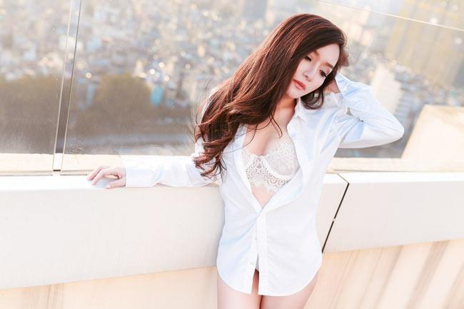 Đan Thùy là nữ ca sĩ trẻ, từng đóng trong nhiều MV ca nhạc của ca sĩ Khánh Phương. & nbsp;
