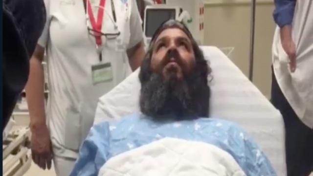 Israel: Tự rút dao khỏi cổ đâm chết kẻ khủng bố - 3