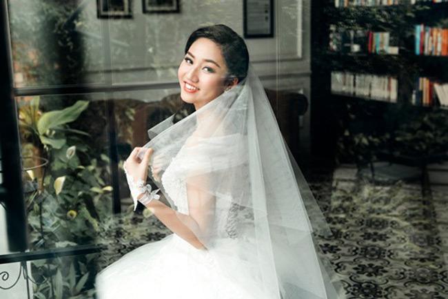 Á hậu Trà My của Hoa hậu Hoàn vũ Việt Nam 2015 rạng ngời làm cô dâu xinh đẹp trong tháng 3.