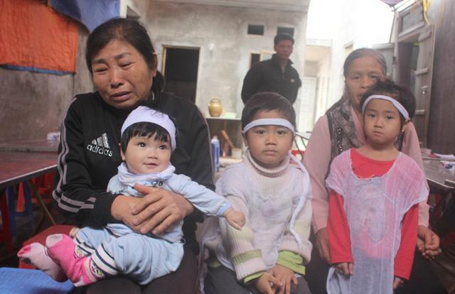Tiếng khóc xé lòng của 3 đứa trẻ mất cha mẹ vì TNGT - 1
