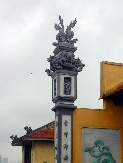 Cận cảnh những ngôi chùa trên nóc chung cư ở Thủ đô - 7