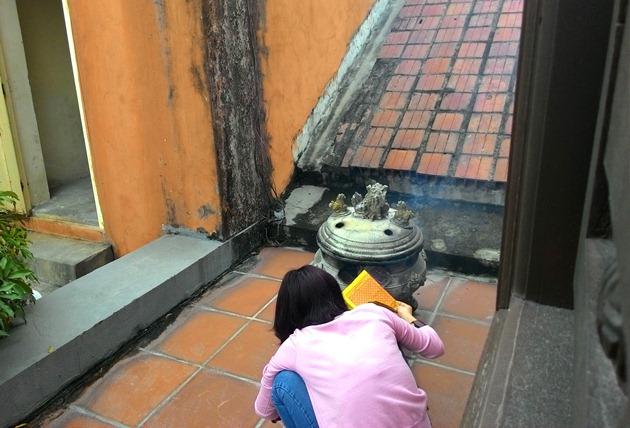 Cận cảnh những ngôi chùa trên nóc chung cư ở Thủ đô - 8