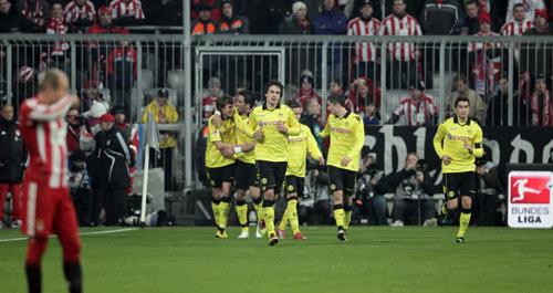 Klopp đấu trí Van Gaal: Xứng danh kình địch - 3