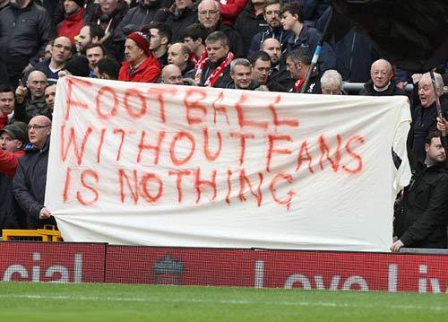 Fan nổi cơn thịnh nộ, Premier League nhường bước - 2