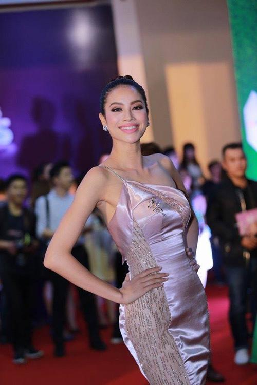 Hot makeup: Kiểu trang điểm Tây của hoa hậu Phạm Hương - 11