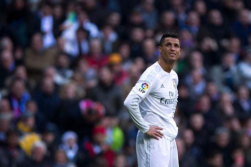 So tài Ronaldo-Messi: Ai chỉ giỏi bắt nạt đội nhỏ? (P2) - 1
