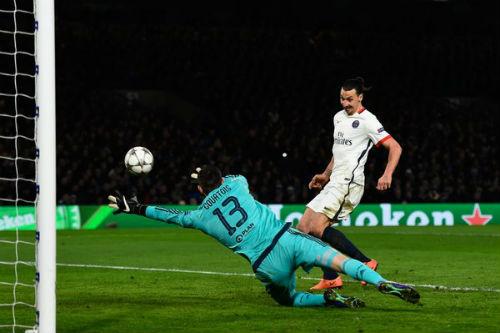 Sôi động cúp C1 10/3: Huyền thoại MU sốc vì Hazard đổi áo - 2