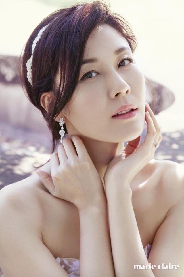 Kim Ha Neul quá trẻ đẹp so với tuổi 38 trong ảnh cưới - 3