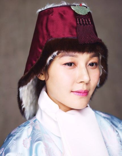 Kim Ha Neul quá trẻ đẹp so với tuổi 38 trong ảnh cưới - 14