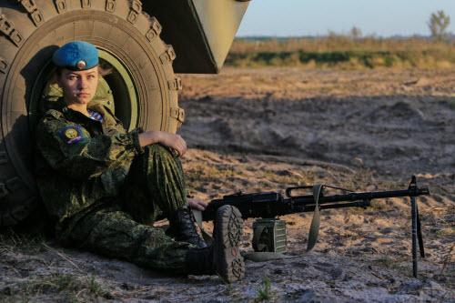 Ảnh: Những bóng hồng của lực lượng lính dù Nga - 4
