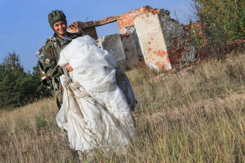 Ảnh: Những bóng hồng của lực lượng lính dù Nga - 5