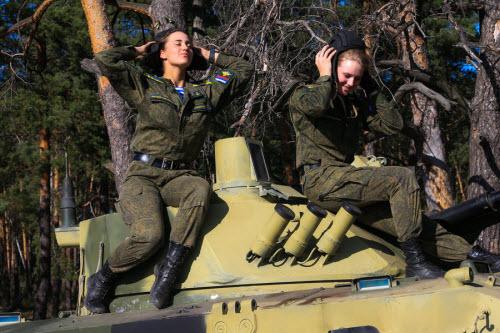Ảnh: Những bóng hồng của lực lượng lính dù Nga - 6