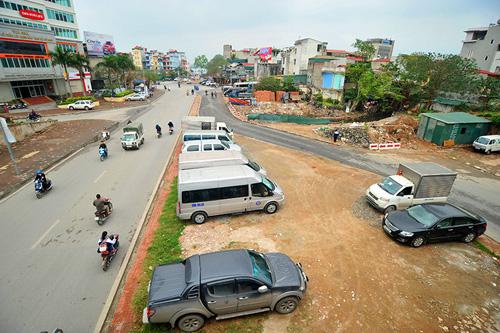 HN: Đường mới thông bỏ không, dân vô tư đi ngược chiều - 8
