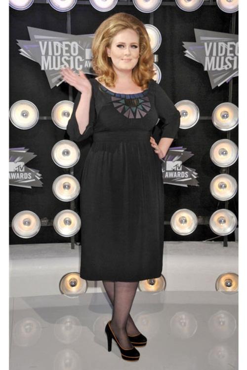 """Học """"họa mi nước Anh"""" Adele chọn váy cho nàng béo - 13"""