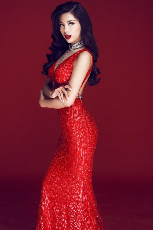 Siêu mẫu Việt Nam Khả Trang từng xuất gia nhiều năm - 4