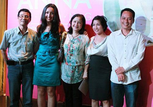 Hai bà mẹ chồng văn nghệ sĩ tài năng ít người biết của sao Việt - 8
