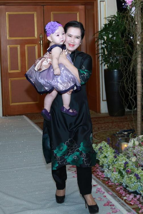 Hai bà mẹ chồng văn nghệ sĩ tài năng ít người biết của sao Việt - 3