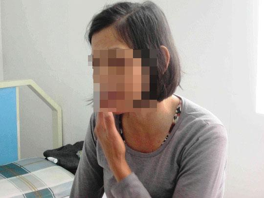 Bị con trai người tình đánh phải nhập viện cấp cứu - 1