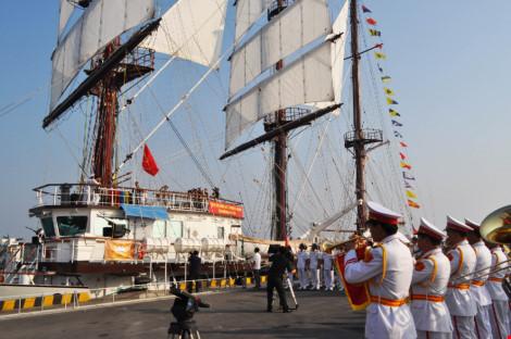 Hải quân VN đưa tàu buồm hiện đại nhất TG vào sử dụng - 4