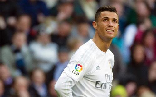 Hết chê đồng đội, Ronaldo lại chê Real thiếu tham vọng - 1