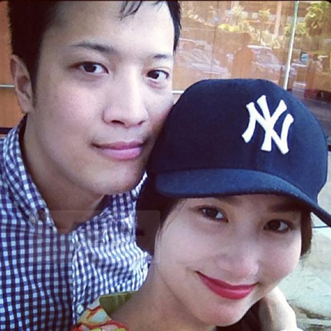 """Diễm My 9X và doanh nhân Phan Đức (sinh năm 1985) công khai hẹn hò từ tháng 6.2013, sau khi nữ diễn viên chia tay với bạn trai đại gia ngành bất động sản. Tuy nhiên mới đây, nữ diễn viên đã công khai cuộc tình 3 năm với Phan Đức đã  """" đứt gánh """" ."""