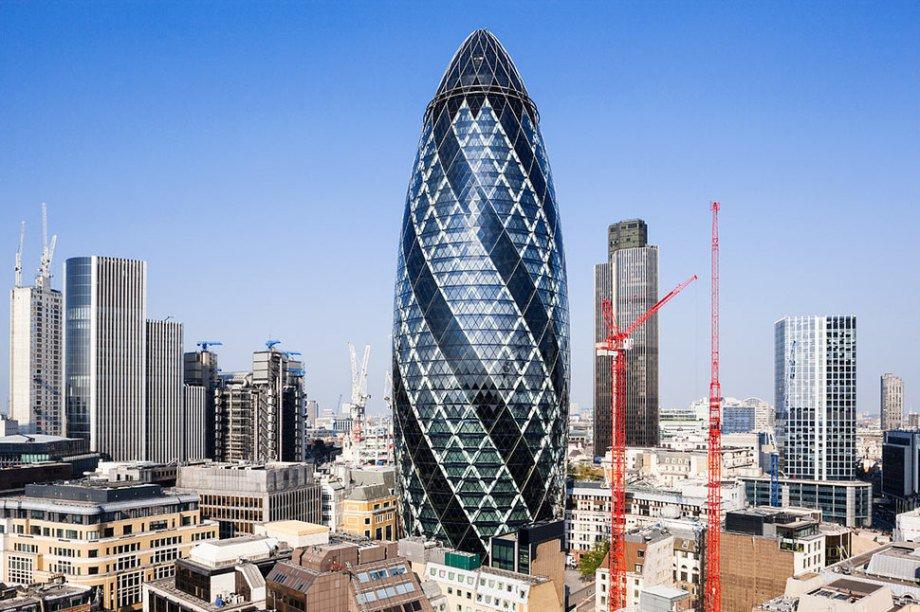 Những tòa nhà chọc trời có hình thù kỳ dị nhất thế giới - 12