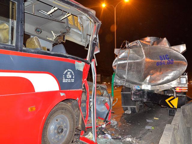 Bắt lái xe chở công nhân gây tai nạn làm 3 người chết - 1