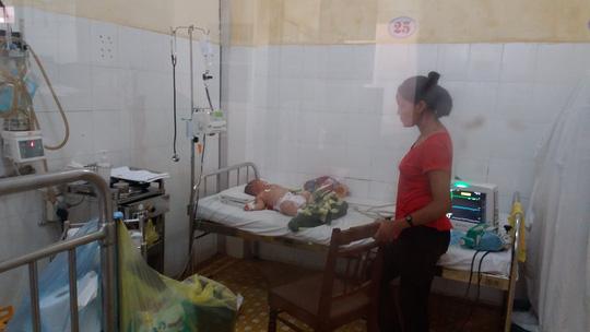 Bé 5 tháng tuổi ở Đắk Lắk nghi bị nhiễm não mô cầu - 1