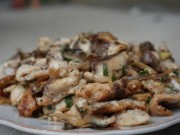 Ẩm thực - Độc đáo món cá xào trên núi