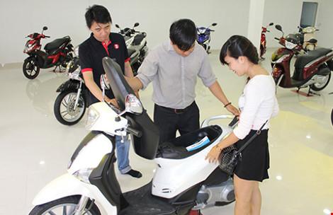 Xe tay ga đắt tiền đổ bộ vào Việt Nam - 1