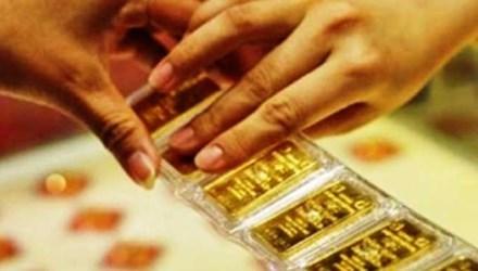 Sau 1 đêm, vàng tăng giá gần 400.000 đồng/lượng - 1