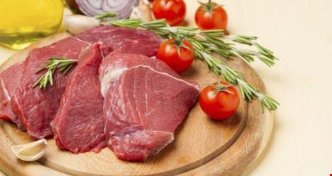 Ăn nhiều thịt đỏ khiến trẻ em gái dậy thì sớm - 1