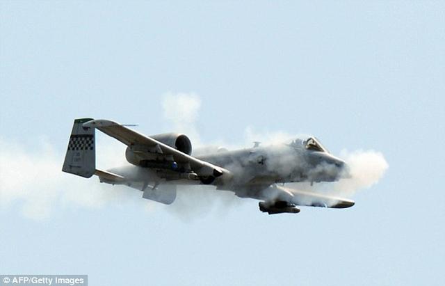 """Mỹ tân trang máy bay """"cổ lỗ sĩ"""" để đánh IS - 3"""