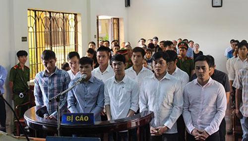 Đang xét xử nhóm cầu thủ CLB bóng đá Đồng Nai bán độ - 1
