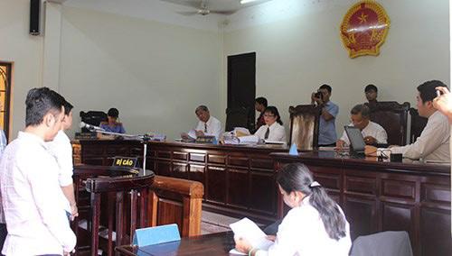 Đang xét xử nhóm cầu thủ CLB bóng đá Đồng Nai bán độ - 3