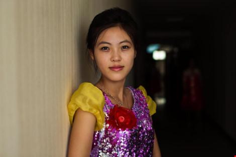 Ngắm vẻ đẹp mộc mạc của phụ nữ Triều Tiên - 12