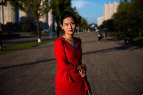 Ngắm vẻ đẹp mộc mạc của phụ nữ Triều Tiên - 13