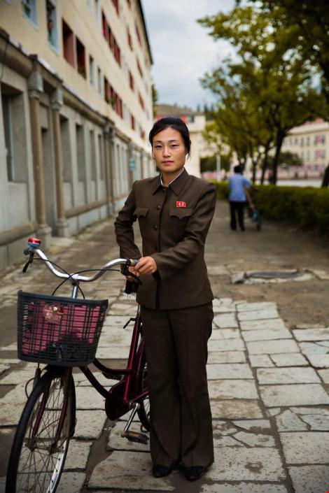 Ngắm vẻ đẹp mộc mạc của phụ nữ Triều Tiên - 5
