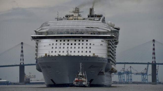 """Con tàu lớn nhất thế giới """"lên đường"""" - 1"""