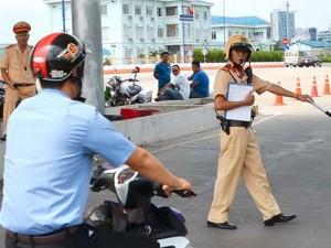 Tin tức trong ngày - Vi phạm giao thông: Trò bị thôi học, thầy có bị thôi dạy?