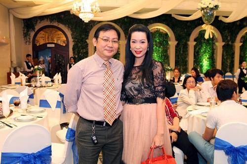 Phi Thanh Vân lần đầu khoe con trai - 8